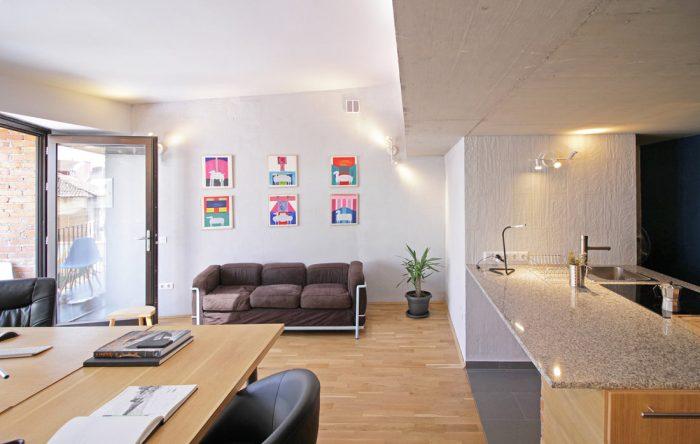 Shtëpia me oborr Gezim Pacarizi