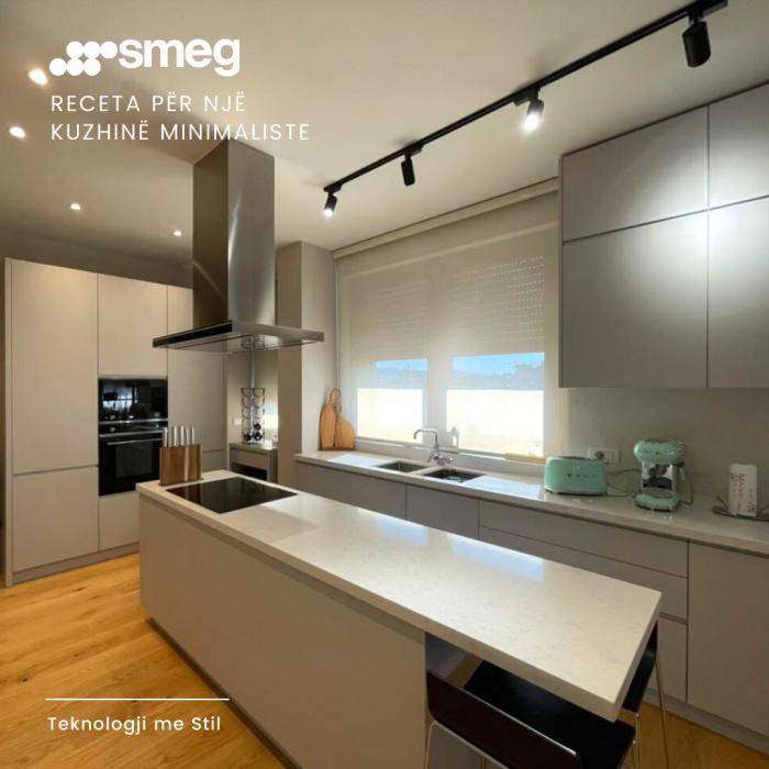 Nje kuzhine minimaliste nga archimed sps dhe SMEG