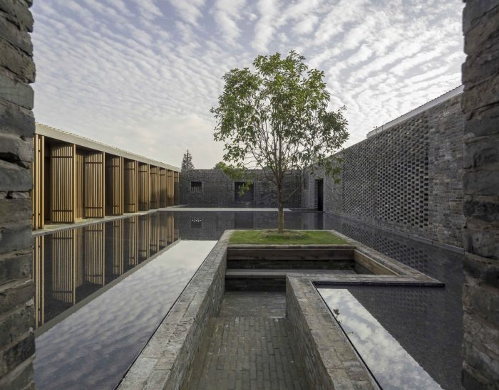Incorporating water in architecture