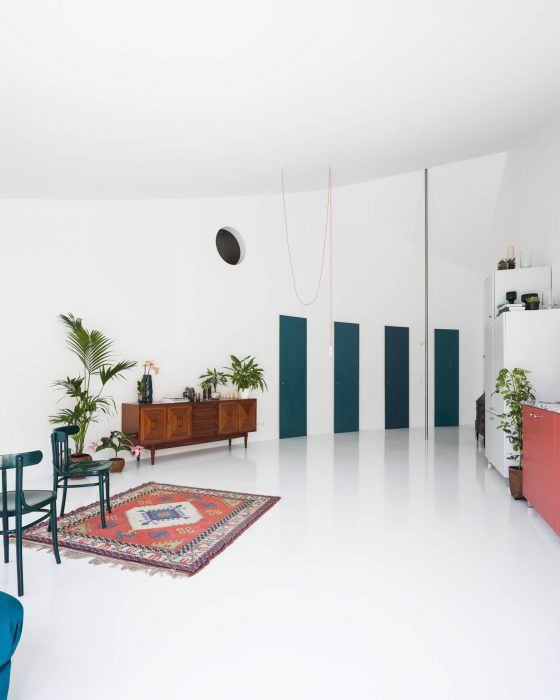 fala-atelier-ricardo-loureiro-house-with-a-curved-wall