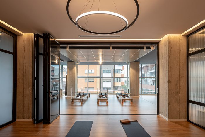 Projekti i studios se Pilatesit dhe joges nga Nesila Hajdini Architecture